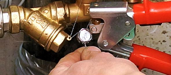 Законно ли взимать плату за перепрограммирование электросчетчиков